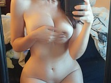 Hottie selfshot nude photos at home